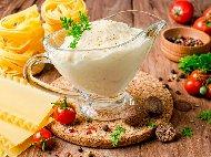 Рецепта Сос за лазаня с брашно, масло, мляко, сметана и кашкавал